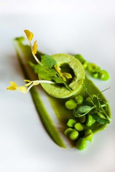 ♂ Food styling still life Peas #plating #presentation