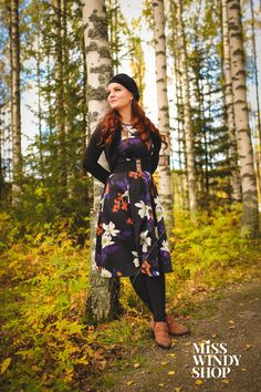 Bohemian like you (c) misswindyshop #dress #floral #beret #shrug #black #autumnstyle #ootd #vintage #retro #redhair #dressrevolution #mekkovallankumous