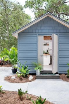 Garden Shed Pictures From DIY Network Blog Cabin 2016 >> http://www.diynetwork.com/blog-cabin/2016/garden-shed-pictures-from-diy-network-blog-cabin-2016-pictures?soc=pinterest