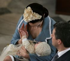 January Princess Mary of Denmark cradles her son and heir to the Danish throne Crown Prince Christian of Denmark as her husband Crown Prince Frederik. Denmark Royal Family, Danish Royal Family, Crown Princess Mary, Prince And Princess, Alexandra Manley, Prince Christian Of Denmark, Real Life Fairies, Prince Frederik Of Denmark, Danish Royals