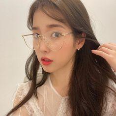 Photo album containing 3 pictures of IU E Dawn, Latest Instagram, Celebs, Celebrities, Ulzzang Girl, Looking Gorgeous, Kpop Girls, Korean Girl, Korean Idols