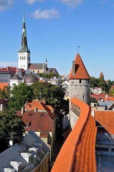 Tallinn | Estonia (by Dennis Jarvis)