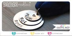Hermoso collar de liston de seda con tres plaquitas, una con cada nombre, ideal para el nombre de tus hijos o para tu mamá este 10 de mayo!   www.cuoremio.com.mx