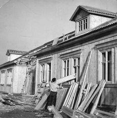 Budowa domów dla budowniczych PKiN – Osiedle Przyjaźń (Jelonki Północne – MSI) Rok: 1952; fot. DKN Martynow