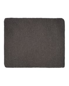Funda de sofá Lucía en tono gris están compuestas por una sola pieza de tejido elástico que cubre el sofá por completo. Amplia gama de colores y tejidos.