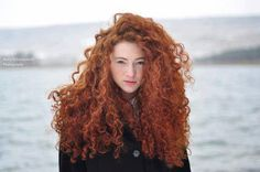 Red hair... and curly... Ownt!!