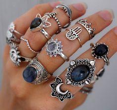 London Blue Topaz and Diamond Birthstone Ring / Gold London Blue Topaz and Diamond Gift for Her / December Birthstone Ring - Fine Jewelry Ideas Silver Jewelry Box, Cute Jewelry, Turquoise Jewelry, Stone Jewelry, Sterling Silver Jewelry, Antique Jewelry, Jewelry Accessories, Silver Ring, Silver Earrings