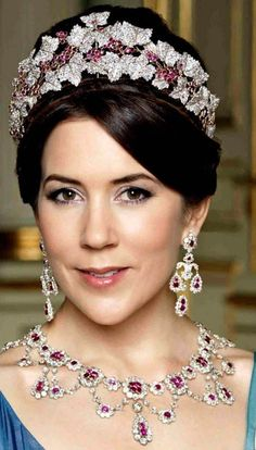 Queen Mary of Denmark's -=- Wearing her Gorgeous Ruby Parure ❤