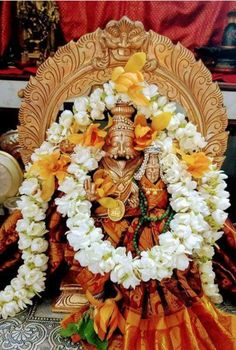 Lakshmi Images, Lord Balaji, Lord Vishnu Wallpapers, Sri Rama, Vedic Astrology, Pooja Rooms, Goddess Lakshmi, Hindu Deities, God Pictures