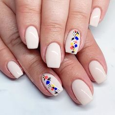 Simple floral 🌷 Over top of Hacker! (This color glows purple!) ✨ Design inspired by Classy Nails, Fancy Nails, Simple Nails, Diy Nails, Cute Nails, Pretty Nails, Square Nail Designs, Fall Nail Art Designs, Flower Nail Designs