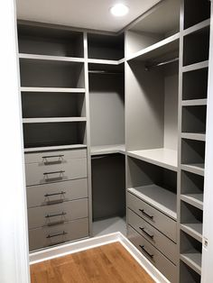 Walk In Closet Design, Bedroom Closet Design, Master Bedroom Closet, Closet Designs, Walk In Closet Ikea, Ikea Bedroom, Diy Custom Closet, Custom Closets, Custom Closet Design