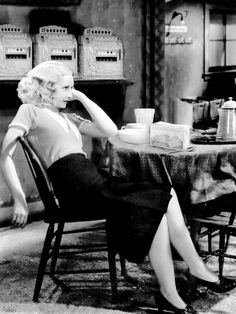 Barbara Stanwyck in Baby Face, 1933 If you've never seen Baby Face,from pre-Code Hollywood. Stanwyck is impressive. Golden Age Of Hollywood, Vintage Hollywood, Hollywood Glamour, Hollywood Stars, Hollywood Actresses, Classic Hollywood, Vintage Vogue, Vintage Glamour, Female Actresses