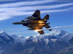 заставки 'Літаки' для робочого столу: http://wallpapic.com.ua/aviation/aircrafts/wallpaper-5396