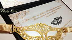 Modelo lindíssimo de 15 anos super fino e elegante, mede 18x27cm convite cartonado, nas cores preto, dourado, e perolado, impressão em relev...