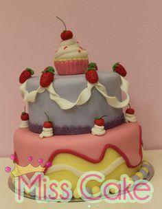 """""""Lovely drippy cake"""""""
