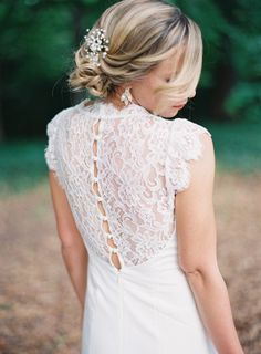 Gorgeous lace back: http://www.stylemepretty.com/2015/06/24/elegant-romantic-garden-wedding/ | Photography: Laura Leslie - http://lauralesliephotography.com/