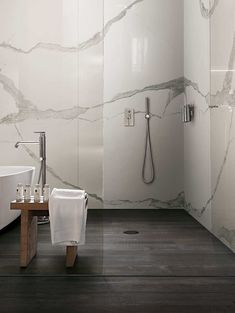 Home Interior Lighting White Marble Walls Modern Shower Design.Home Interior Lighting White Marble Walls Modern Shower Design White Marble Bathrooms, Small Bathroom, Master Bathroom, Bathroom Ideas, Bathroom Modern, Bathroom Black, Marble Showers, Mirror Bathroom, Industrial Bathroom