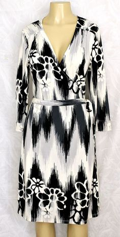 NWT OLD NAVY Gray Black White Floral Faux Wrap Dress L Large V Neck 3/4 Sleeve #OldNavy #WrapDress #Any