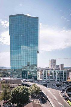Zürich Geheimtipps: 15 Insider Tipps, welche garantiert nicht jeder kennt Hotels, Skyscraper, Multi Story Building, Water, Travelling, Towers, Buildings, Holiday Destinations, Destinations
