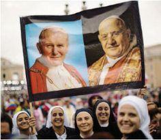Informazione Contro!: Il mondo abbraccia i Papi santi