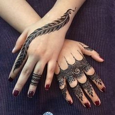 Spreading all around your fingers, these arabic finger mehndi designs are a sensible choice. Arabic finger mehndi designs consists of floral, rounded, thick Henna Hand Designs, Eid Mehndi Designs, Mehndi Designs Finger, Modern Mehndi Designs, Mehndi Designs For Girls, Mehndi Design Pictures, Mehndi Designs For Fingers, Beautiful Mehndi Design, Latest Mehndi Designs