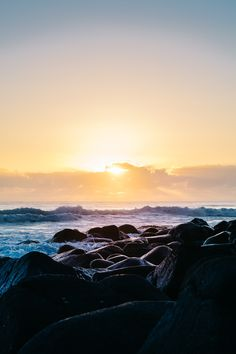 Kalle Lundholm Photography - NO ADDED LIGHT - GOOD MORNING BURLEIGH HEADS vsco, travel, australia, queensland, ocean, water, surf, sport, lifestyle, sunrise, water, color, outex