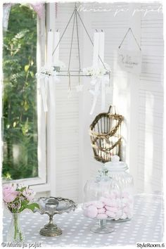 vaalea,kynttilät,ruokapöytä,koriste-esineet,pihakeittiö Hanging Chair, Outdoor Decor, Green, House, Furniture, Home Decor, Decoration Home, Hanging Chair Stand, Home