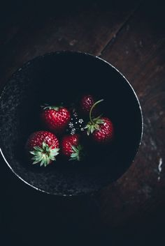 Fluffy sponge cake with balsamic strawberries, Food photography, food styling