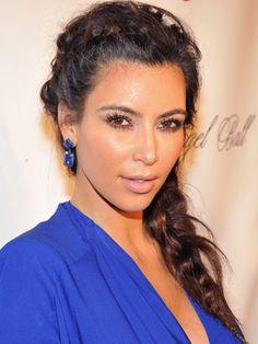 LOVE this blue top on Kim Kardashian! #MallyTrends