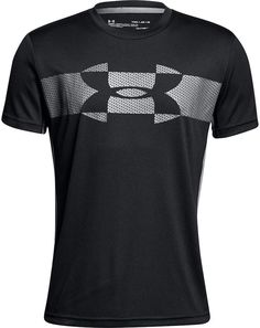 A cool, colorblocked twist on an iconic logo print perfectly styles this sporty short-sleeved T-shirt from Under Armour. Ropa Under Armour, Under Armour Outfits, Under Armour T Shirts, Under Armour Logo, Lacoste, Design Kaos, Graphic Tee Shirts, Sport T Shirt, Boys T Shirts