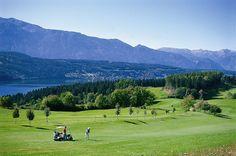 *Golfland Kärnten Wöche - die schönsten Golfplätze sind in der Pulverer Pauschale inkludiert*  Für Golfer, die gerne auf abwechslungsreichen Plätzen spielen ist dieses Paket perfekt https://www.pulverer.at/pauschalen-golfland-kaernten-woche-8-tage-7-naechte  #golfurlaub #golfen #kärnten #badkleinkirchheim #thermenwelt #pulverer
