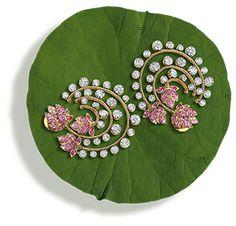 Jewelry Design Earrings, Gold Earrings Designs, Necklace Designs, Jewelry Shop, Jewelry Making, Tanishq Jewellery, Gold Jewellery, Jewelery, Antic Jewellery
