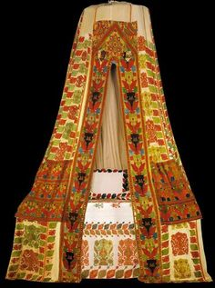Bed tent (sperveri) from Rhodes, century, Benaki Museum, Athens. Echo Bedding, Linen Bedding, Bed Linens, Rhodes, Greek Traditional Dress, Benaki Museum, Embroidered Bedding, Tent Decorations, Bed Tent
