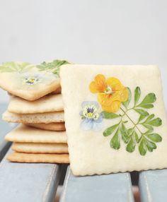 Pressed Flower Sugar Cookies | Hearts Aflutter by Flutter Magazine