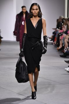 Look 55 from the Fall 2017 Michael Kors Collection. #AllAccessKors http://feedproxy.google.com/fashiongobags1