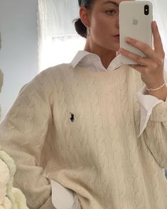 Minimalist Fashion Must Haves .Minimalist Fashion Must Haves Vintage Outfits, Retro Outfits, Urban Outfits, Urban Outfitters Outfit, Fashion 2020, Look Fashion, Fashion Tips, Korean Fashion, Fashion Online