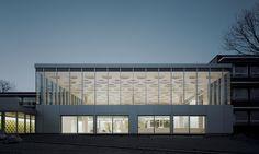 Lichte Statik: Forum am Eckenberg-Gymnasium in Adelsheim - DETAIL.de - das Architektur- und Bau-Portal