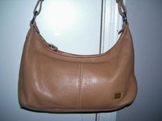 TAN LEATHER SAK HANDBAG IN PERFECT CONDITION! GREAT FOR FALL!!!