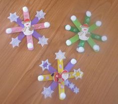 Snowflake craft idea for kids – Crafts and Worksheets for Preschool,Toddler and Kindergarten Popsicle Stick Snowflake, Popsicle Stick Crafts, Craft Stick Crafts, Fun Crafts, Arts And Crafts, Popsicle Sticks, Craft Ideas, Christmas Crafts To Sell, Christmas Activities