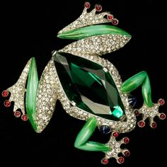 Trifari 'Alfred Philippe' Large Emerald Bellied Tree Frog Pin Clip