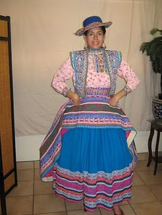 Peruvian Typical Dresses / Trajes Tipicos Peruanos. Arequipa,Chivay