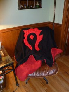 Horde blanket♥♥♥  WANT THIS!!!