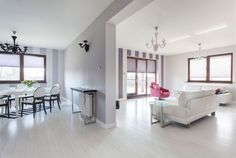 Salón grande en gris y blanco - Salón-comedor