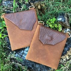 Borwn & Brown Sheep Skin  Holdster~Earthy simplicity... soft supple dark brown Sheep Skin blends perfectly with brown leather pocket.   #holdster #handsfreepurse #fashionpurse #crossbody #leatherpurse #handmade #minimaliststyle #travelpurse #gypsystyle #bohostyle #goldpurse #brownpurse #fannypack #securepurse #concertpurse #festivalpurse