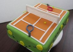 Green tennis cake with orange court (Idee) Fondant Cake Designs, Fondant Cakes, Birthday Cake Decorating, Cake Decorating Supplies, Fancy Cakes, Cute Cakes, Rodjendanske Torte, Tennis Cake, Birthday Party Snacks