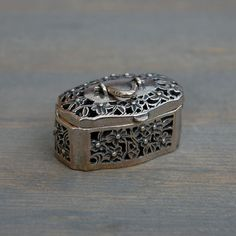 Vintage Sterling SIlver Flower Cutout Pill Box - Intricate Rectangular Hinged Box on Etsy, 630:81 kr