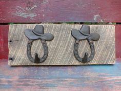 Reclaimed Oak Handmade Rustic Barn Wood Coat Rack With Cast Iron Cowboy Hat And…