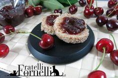 La #confettura di #ciliegie un #classico imperdibile, perfetto per un rapida #merenda col #pane, o per una golosa #torta - Fratelli ai Fornelli