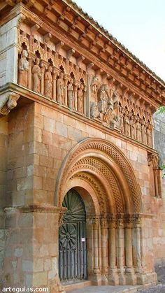 *SPAIN~The south facade of the church of Moarves de Ojeda is simply spectacular Romanesque Art, Romanesque Architecture, Spanish Architecture, Sacred Architecture, Church Architecture, Amazing Architecture, Architecture Details, Architecture Romane, Architecture Religieuse