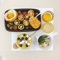 . good morning wednesday :-]))) . #goodmorning #morning #breakfast #yummy #goodfood #instafood #onthetable  #homemade #foodie #foodstagram #igfood #foodphotography #foodphoto #yum #2eat2gether #S_S_iloveBreakfast #朝食 #早餐 #goodmorning #早安 #おはようございます #baking #烘培 #zucchini #stuffedvegetables #egginhole #stuffedzucchini #半熟蛋法棍 #填雙色櫛瓜 #櫛瓜 #ズッキーニ